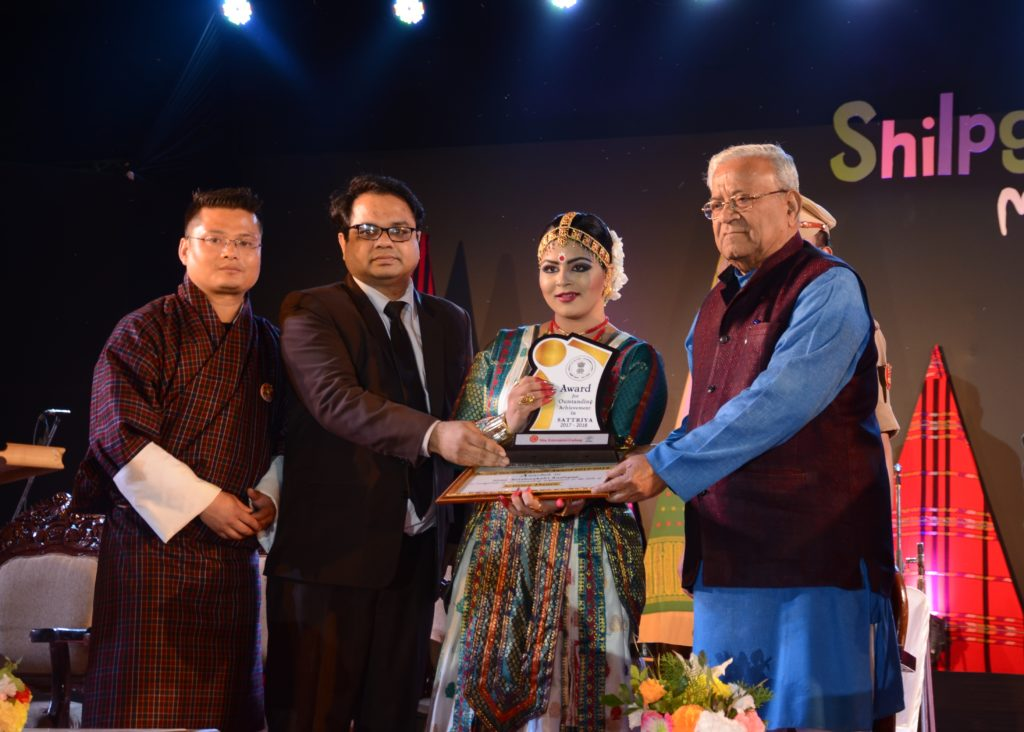 Krishnakshi Kashyap, young Sattriya exponent received the Young Talent Artistes Award 2017-18 by NEZCC, Ministry of Culture, Govt of India from the H'ble Governor of Nagaland, Shri P B Acharya in Shilpgram, Guwahati on 8th March.